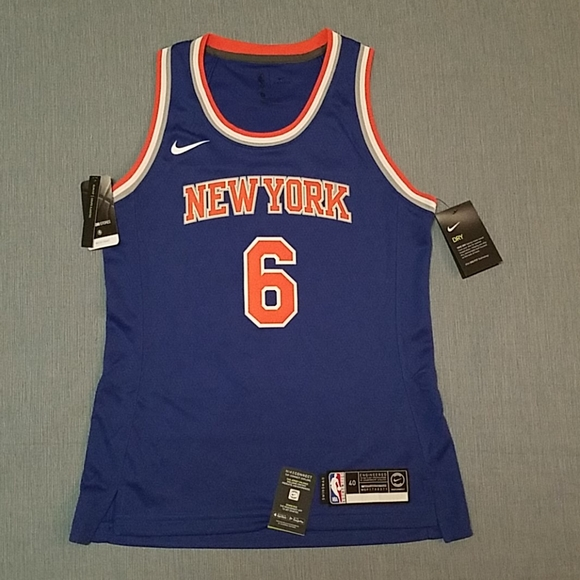 "Wmns MEDIUM Nike "" Porzingis"" Basketball Jersey"
